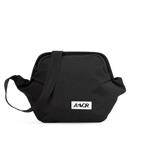 Vegane Gürteltasche   AEVOR Hip Bag Plus Black Eclipe